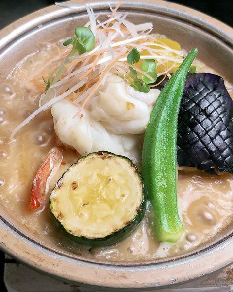 夏野菜と海老の陶板焼き