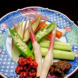夏野菜を辛いお味噌で